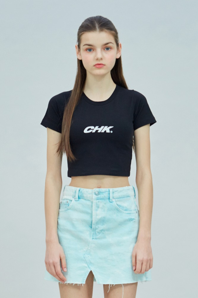 19 SUMMER CHK LOGO CROP T-SHIRT (BLACK)